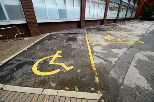 disabled parking 殘障停車格