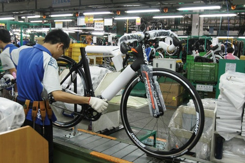 The world's largest bicycle manufacturer, Giant makes bikes in Taiwan, China, and the Netherlands and last year had global sales worth US$1.8 billion. Photo Credit: Tobie Openshaw/Taiwan Business TOPICS