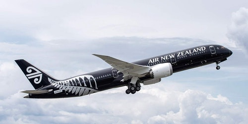 Air_new_zealand_despegando_en_los_angele